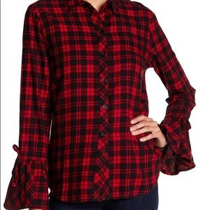 Adorable Red/Black Plaid Top ❤️L, Beachlunchlounge